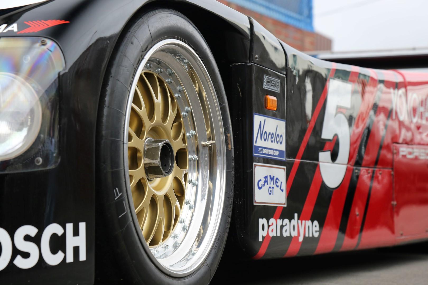 Porsche-962-51