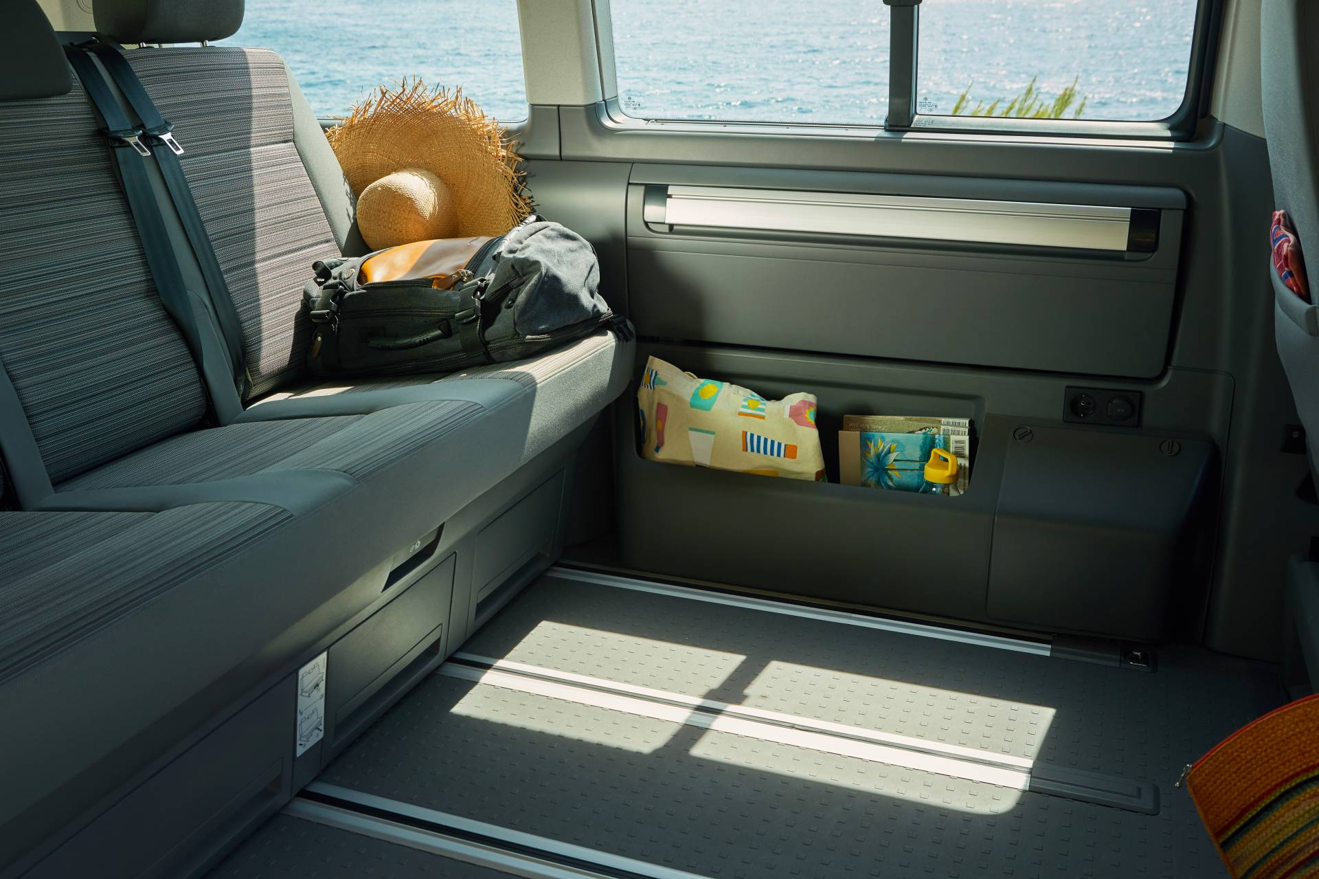 Volkswagen-California-Beach-Camper6