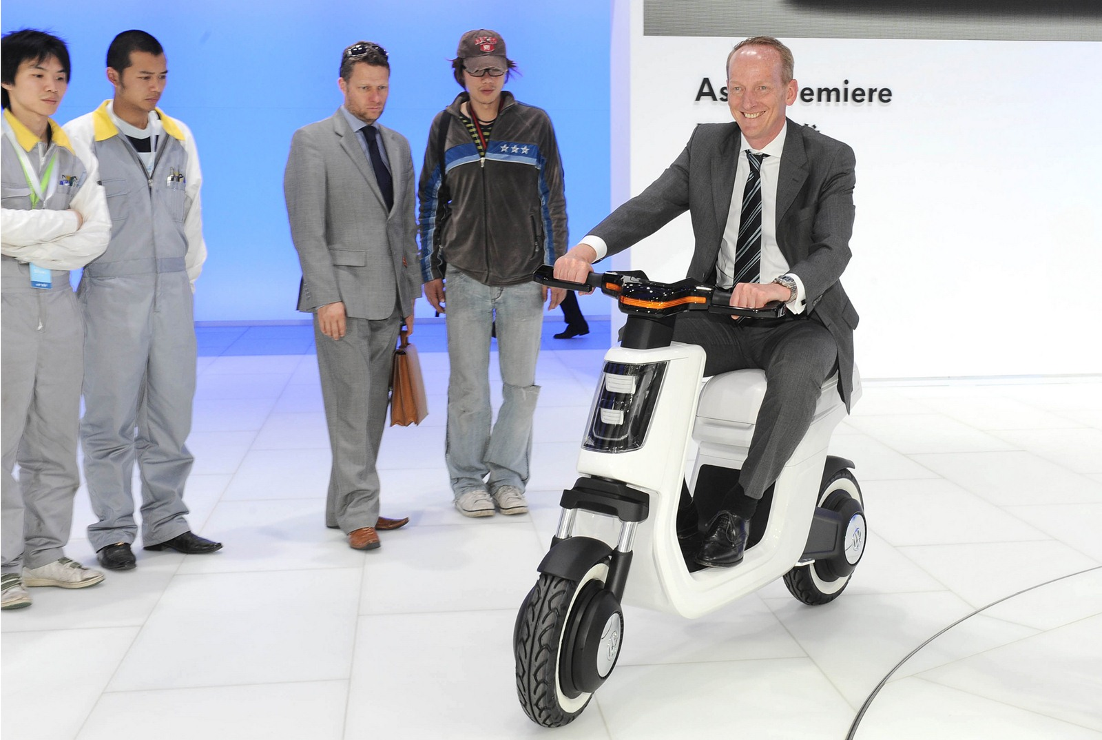 Volkswagen E Scooter Concept ά Autoblog Gr