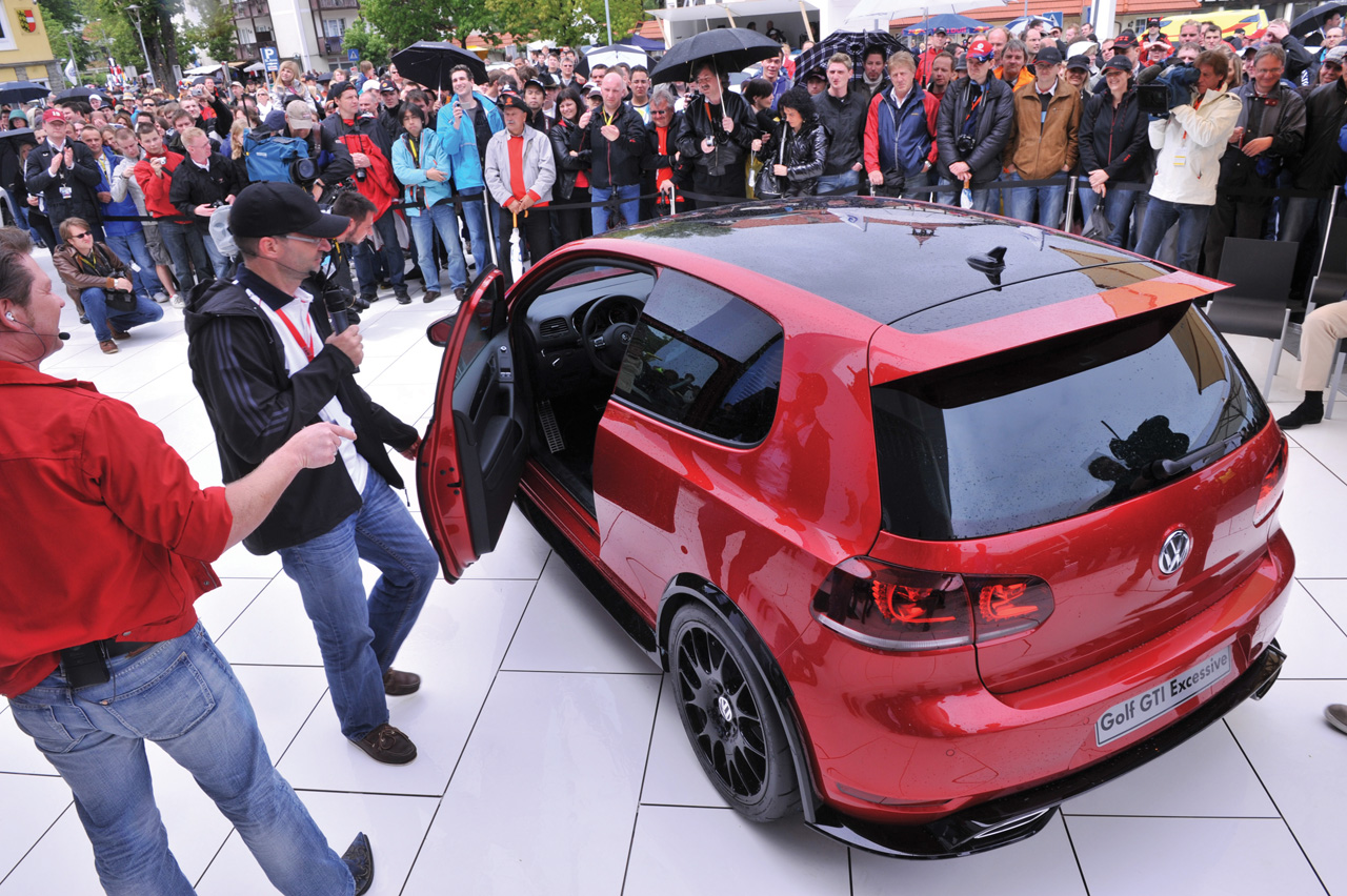 vw golf gti adidas golf gti excessive concept. Black Bedroom Furniture Sets. Home Design Ideas