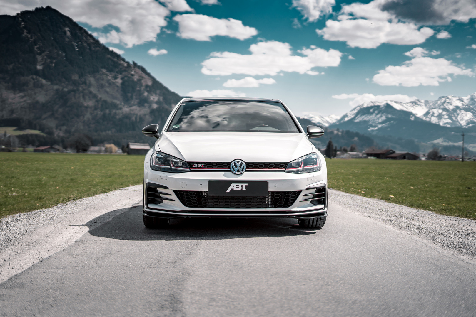Volkswagen-Golf-GTI-TCR-by-ABT-1