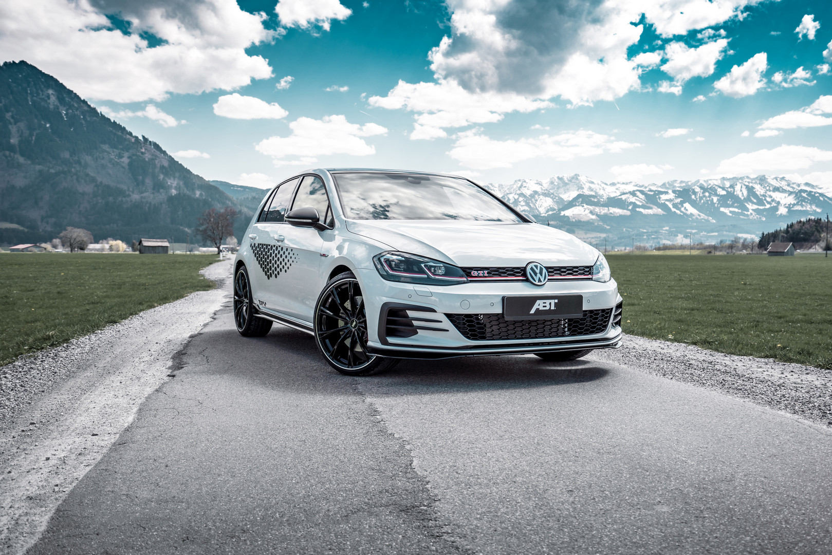 Volkswagen-Golf-GTI-TCR-by-ABT-4