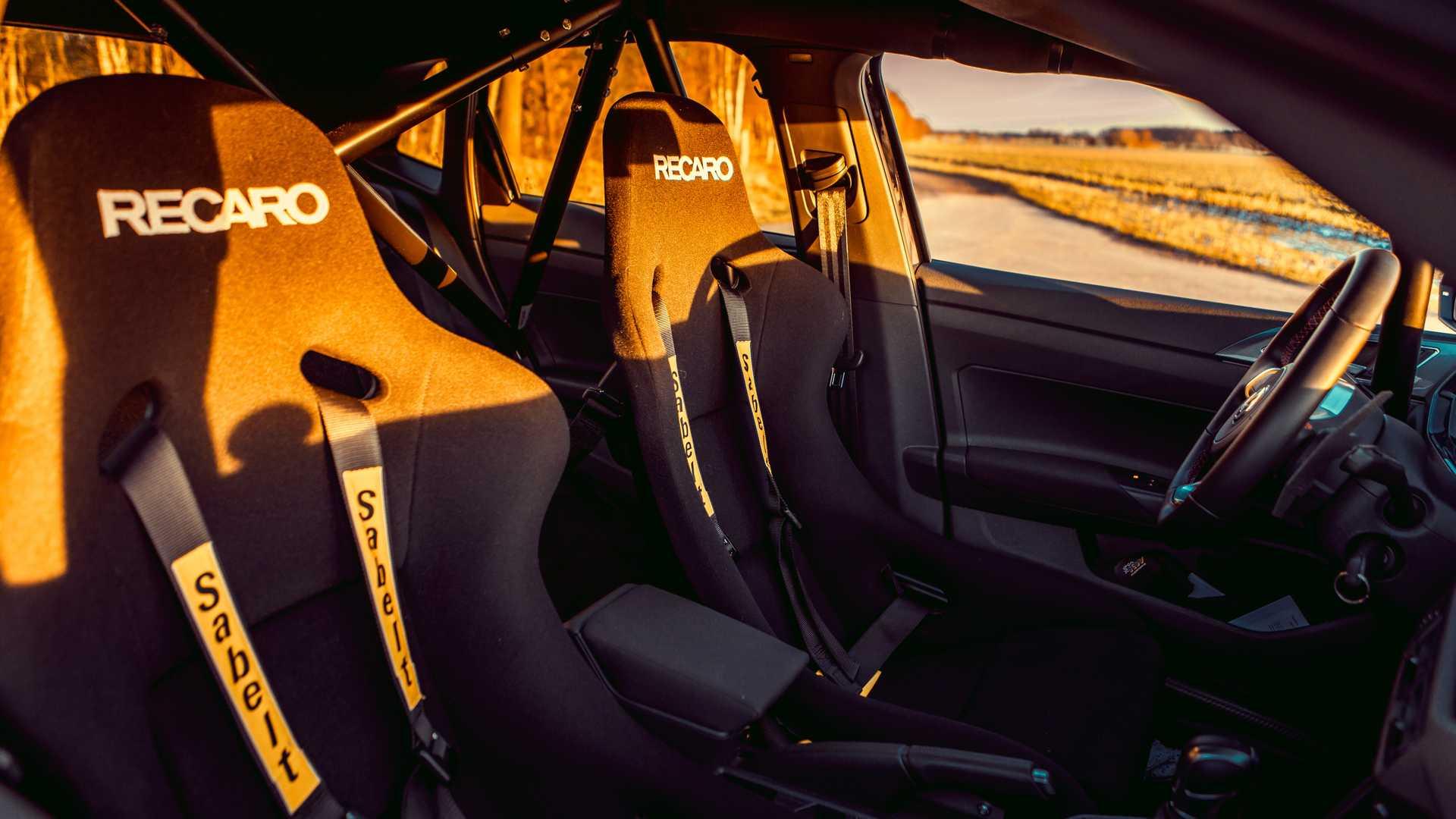 Volkswagen-Polo-GTI-by-Siemoneit-Racing-11