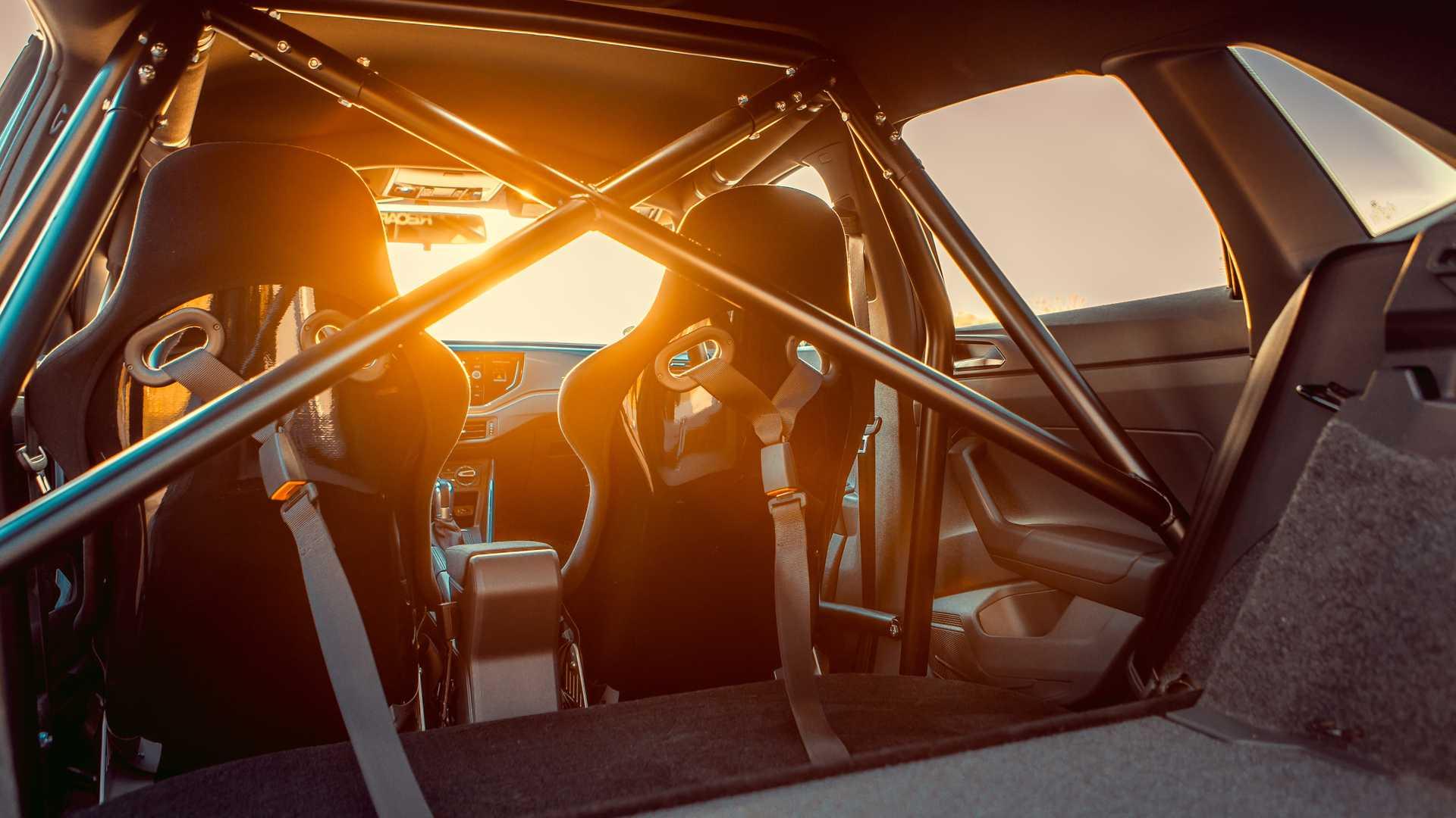 Volkswagen-Polo-GTI-by-Siemoneit-Racing-13