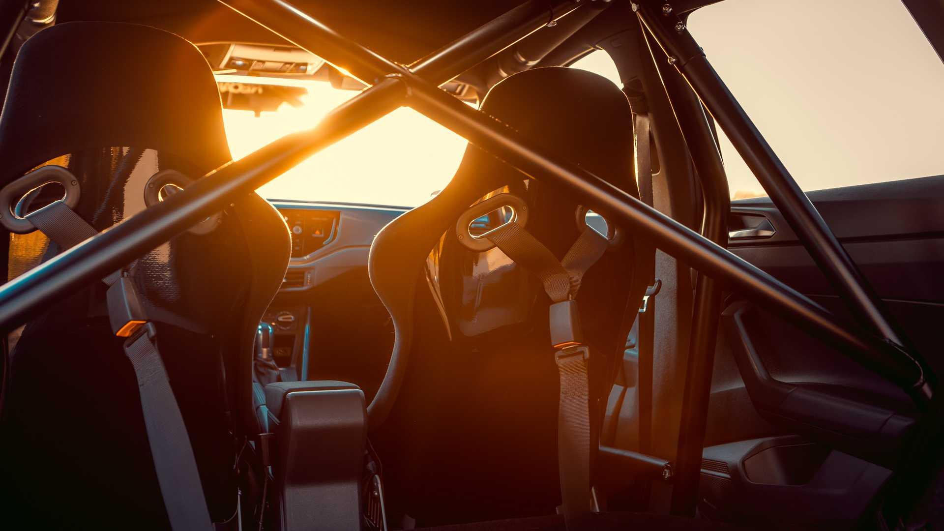 Volkswagen-Polo-GTI-by-Siemoneit-Racing-14