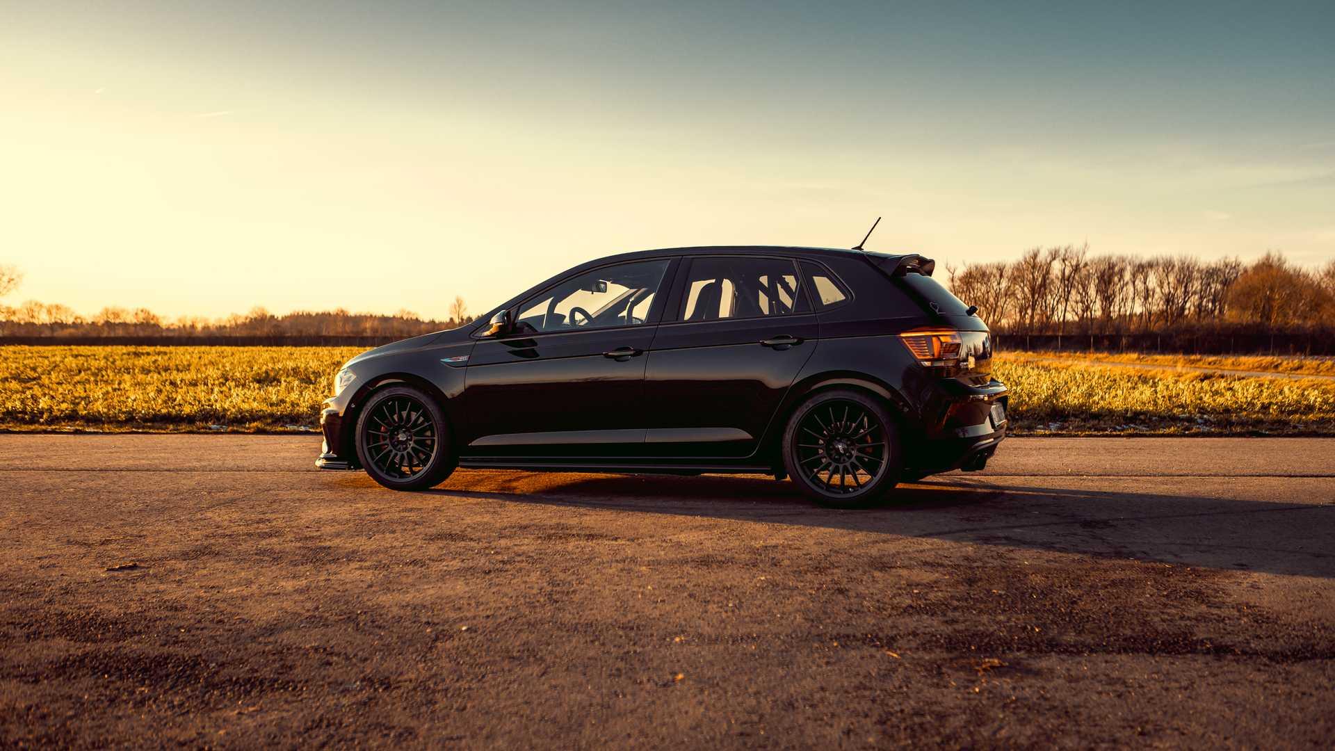 Volkswagen-Polo-GTI-by-Siemoneit-Racing-2