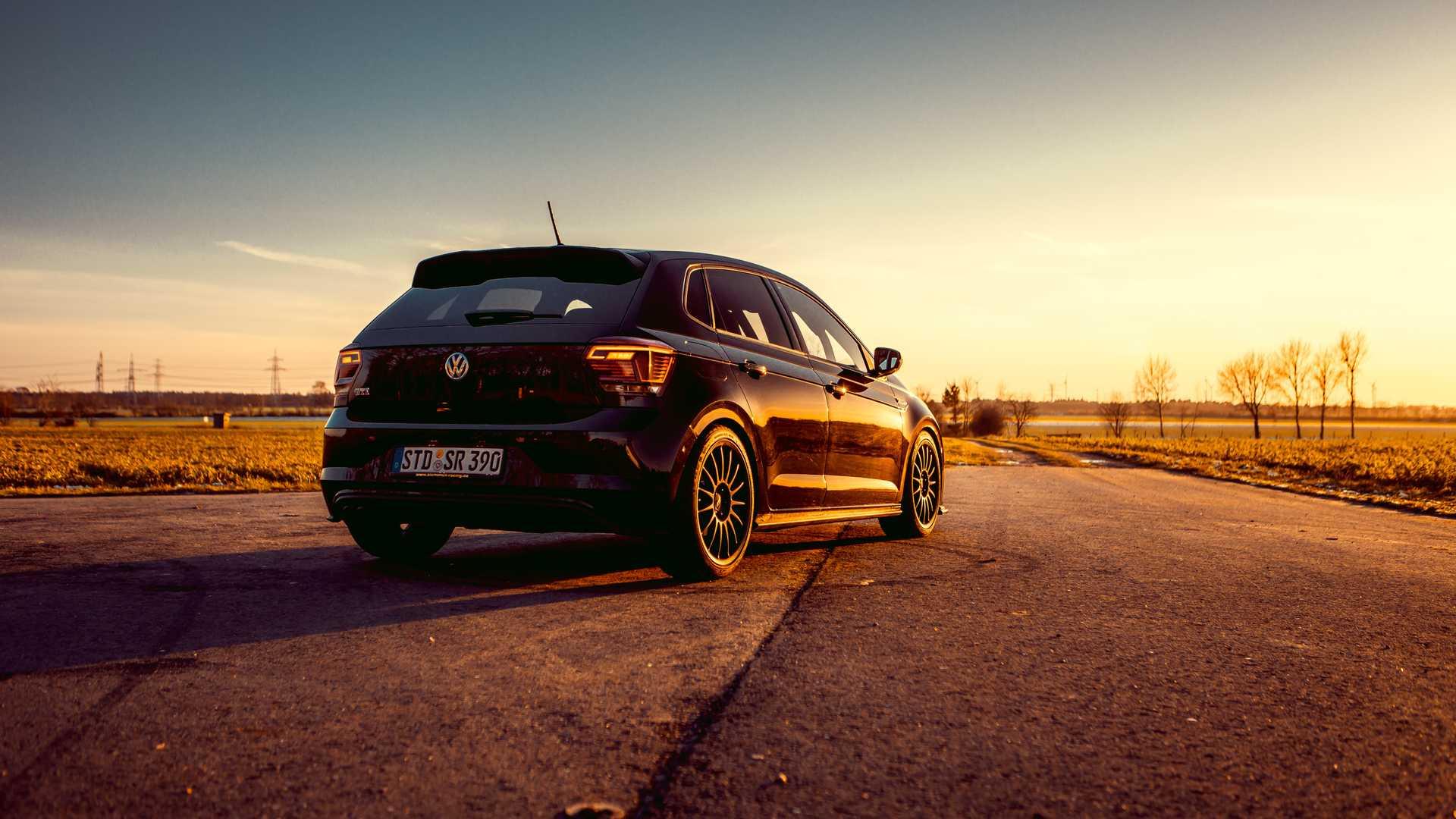 Volkswagen-Polo-GTI-by-Siemoneit-Racing-3