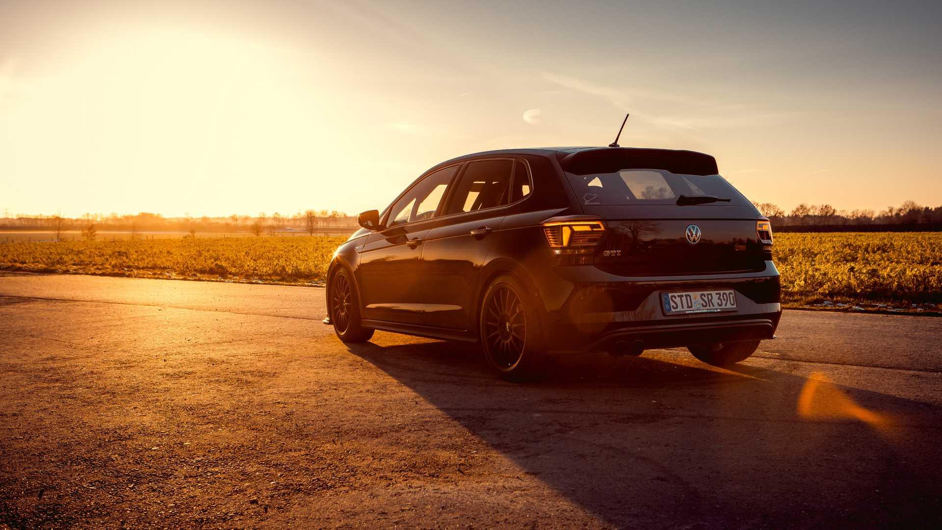 Volkswagen-Polo-GTI-by-Siemoneit-Racing-4