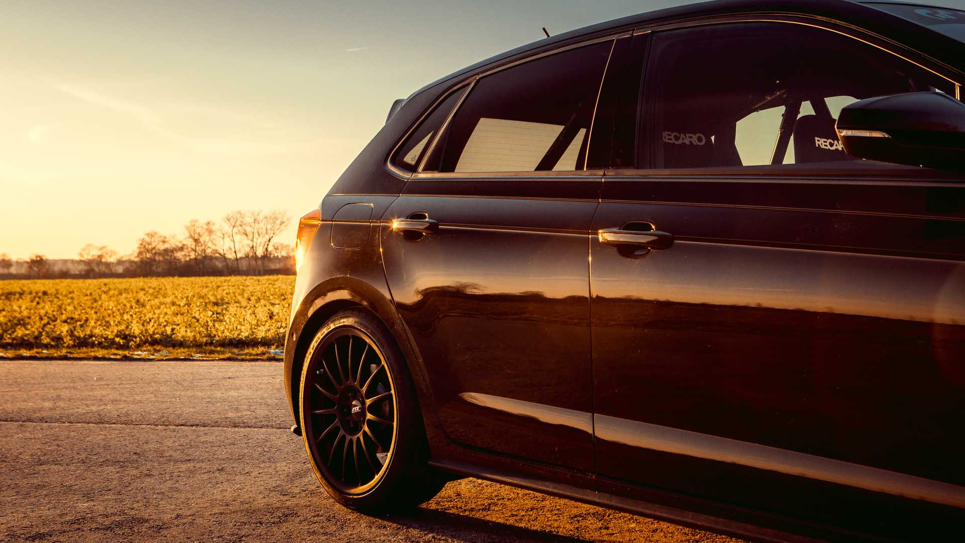 Volkswagen-Polo-GTI-by-Siemoneit-Racing-6