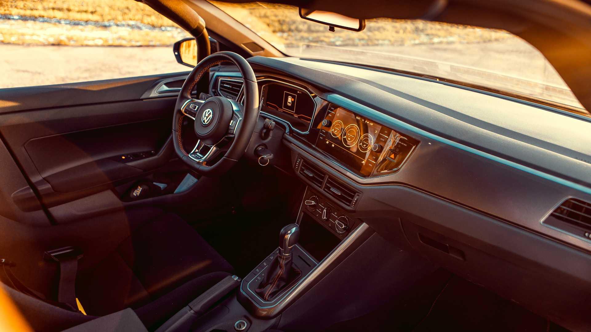 Volkswagen-Polo-GTI-by-Siemoneit-Racing-9