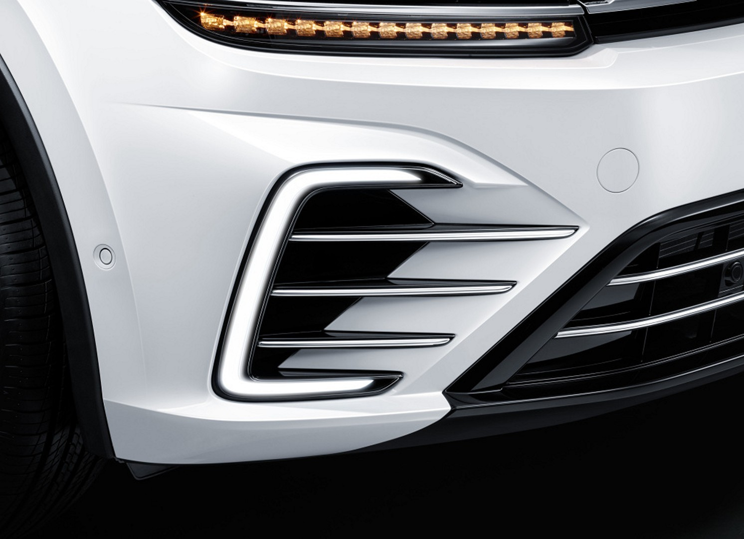 Volkswagen_Tiguan_PHEV_0012