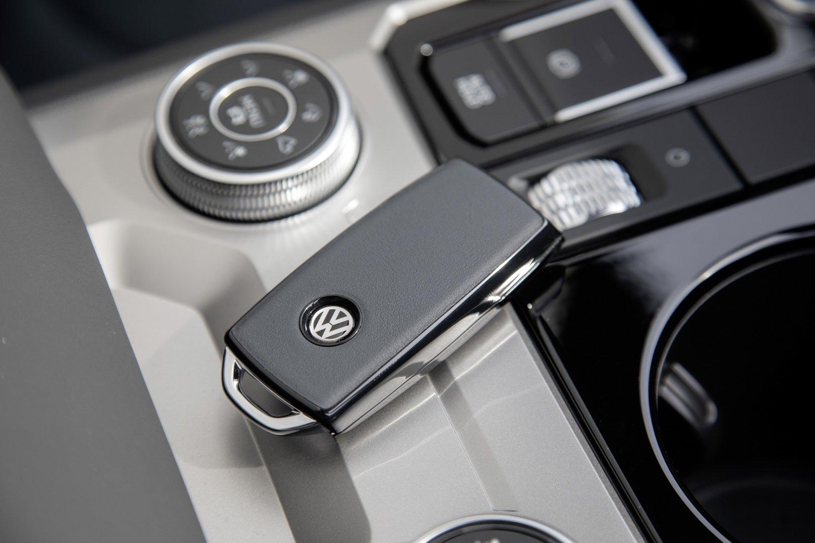 Volkswagen-Touareg-One-Million-Edition-10