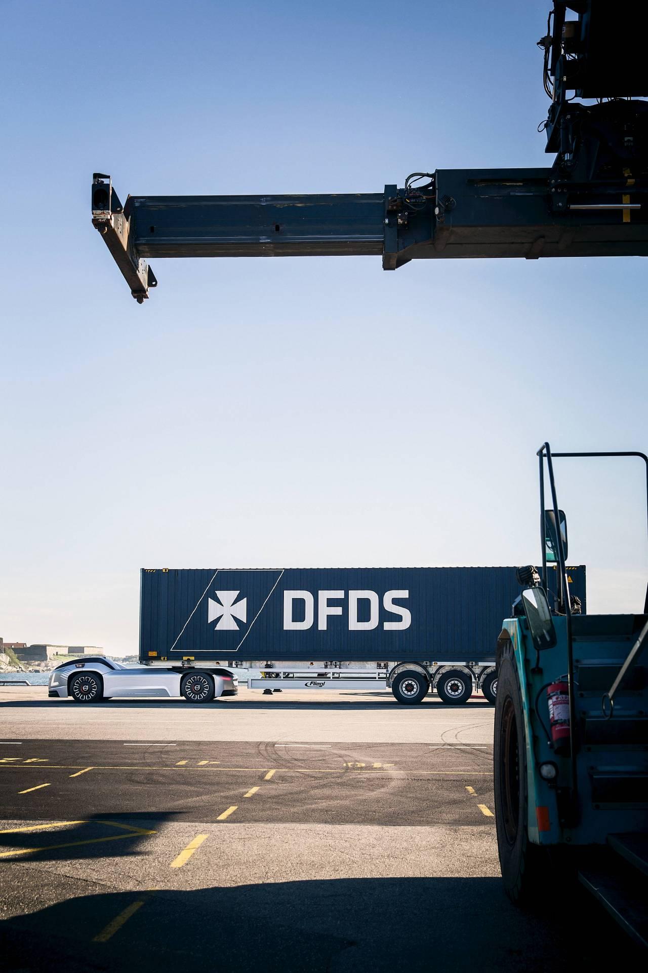 9da575f7-volvo-trucks-vera-autonomous-truck-8