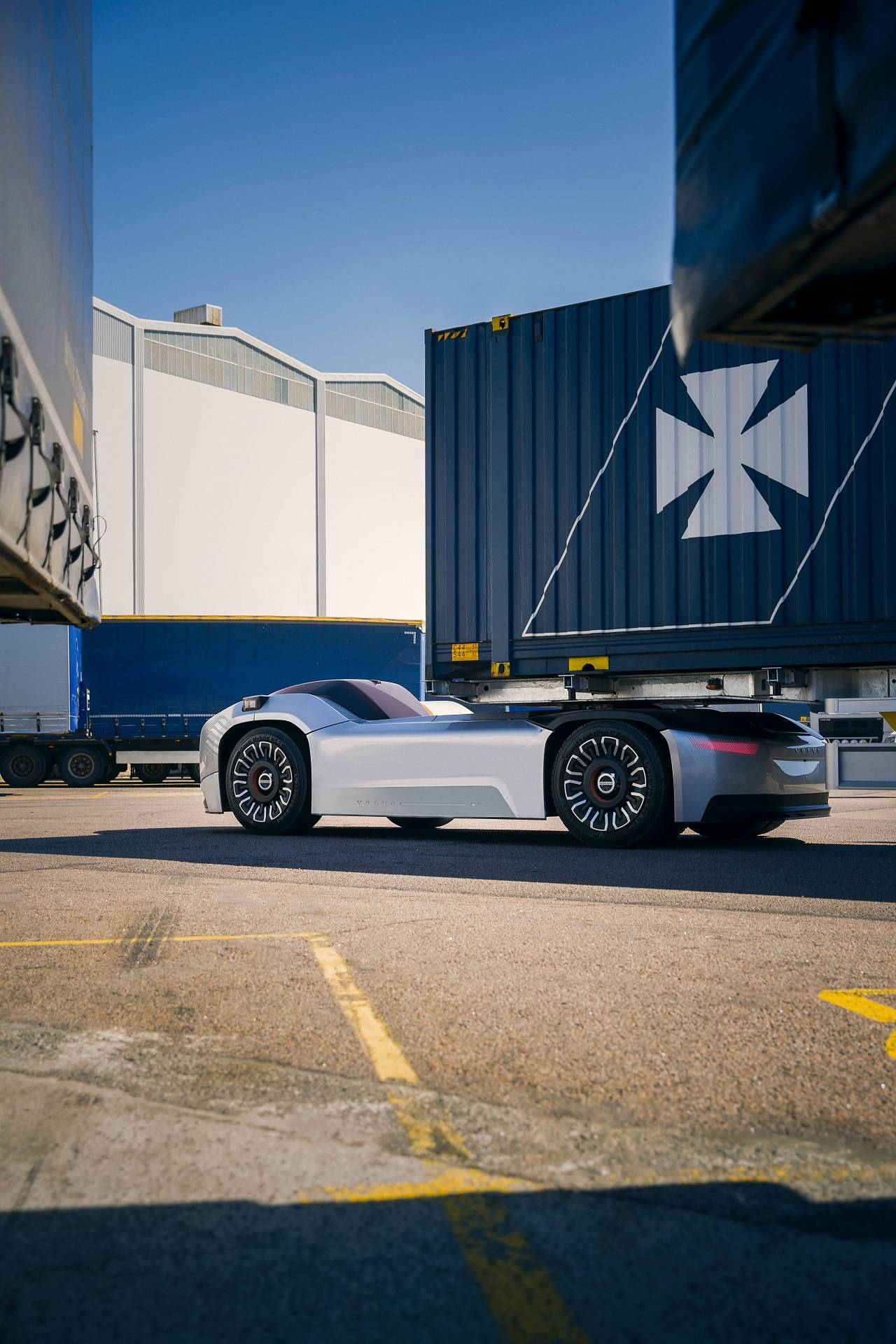 fb2227ee-volvo-trucks-vera-autonomous-truck-5