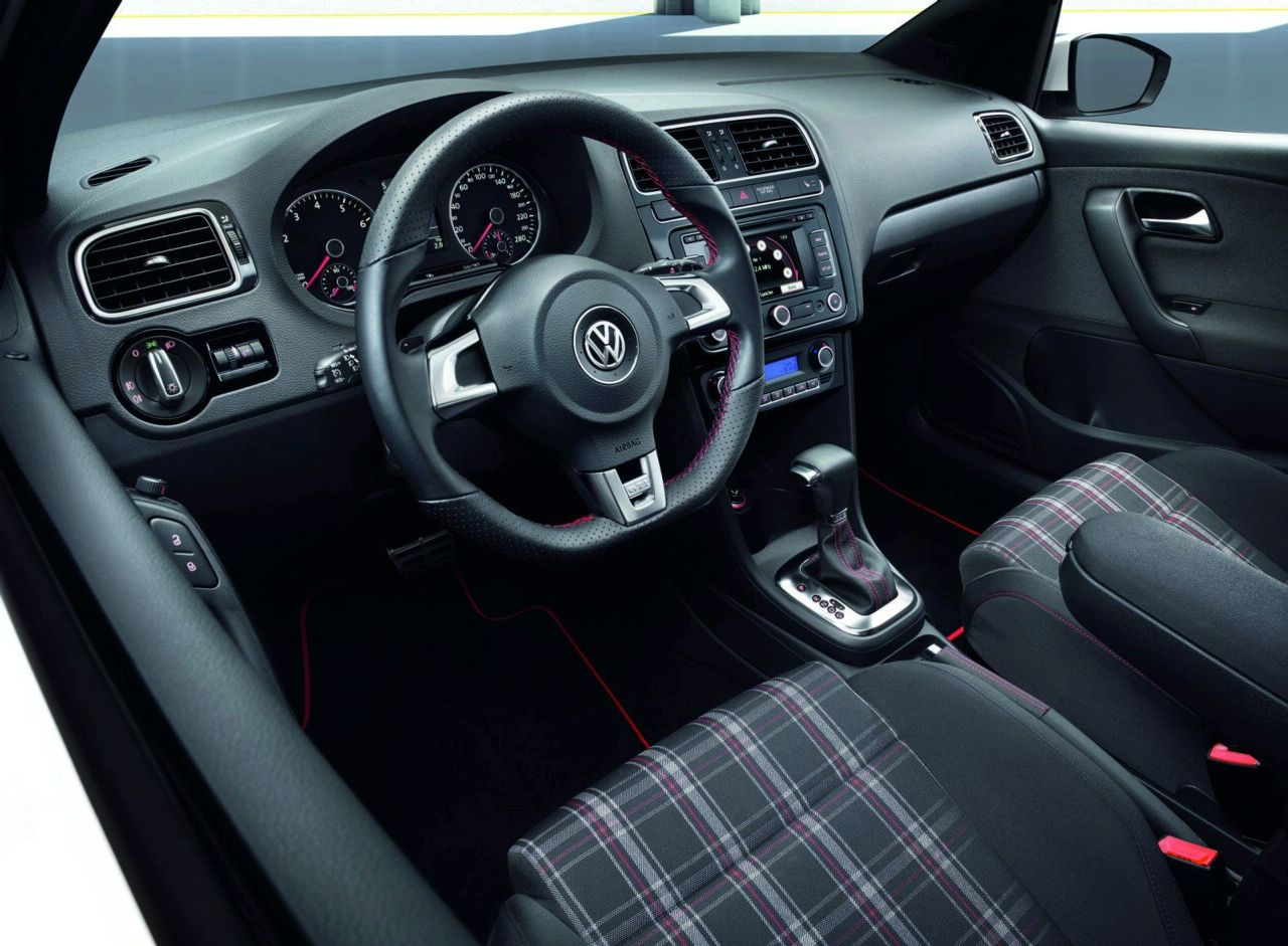 2015 Volkswagen GTI Features