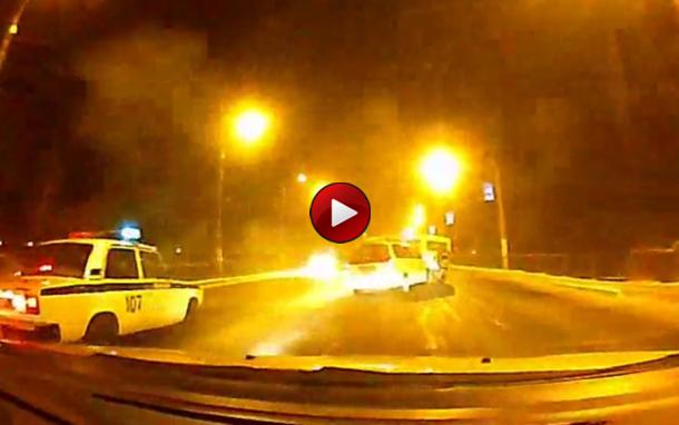 Video: τρελή καταδίωξη στη ρωσία