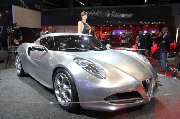 alfa romeo 4c concept live in iaa 2011 3 610x406 Η Alfa Romeo 4C θα κοστίζει £45.000 στην Αγγλία [Ανανεωμένο]