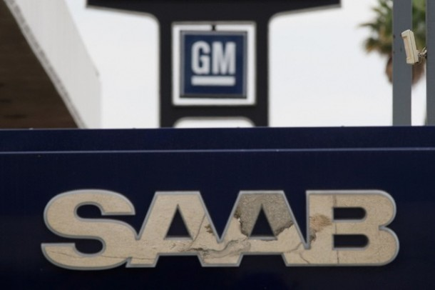 saab-and-gm-dealer-signs