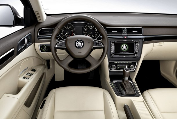 Skoda Superb facelift 2014 (5)