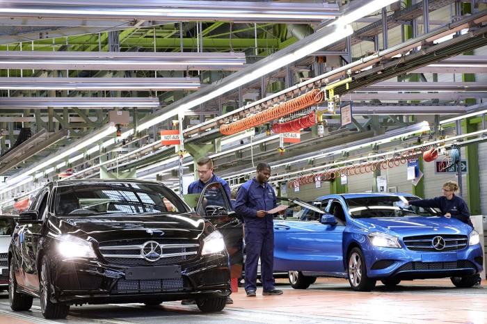 Mercedes-Benz-plant-1-700x466.jpg