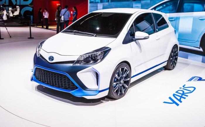 Toyota Yaris Hybrid-R (14)