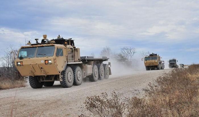 Autonomous military truck 2 700x411 Video: Ο στρατός των Η.Π.Α δοκιμάζει αυτόνομα φορτηγά