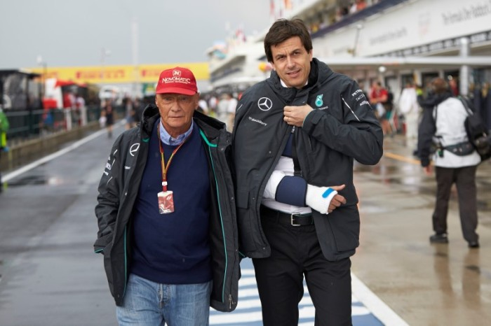 Lauda Wolff 700x466 Hamilton: Ο Rosberg είπε ότι με χτύπησε επίτηδες. Mercedes: Απαράδεκτος ο Rosberg