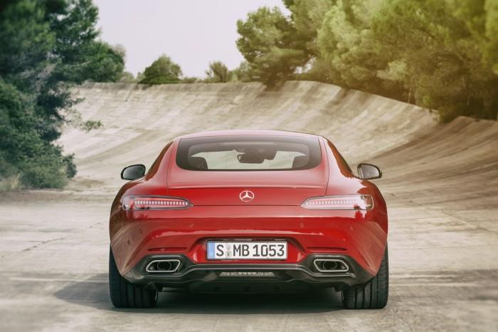 Mercedes AMG GT 14 700x466 Επίσημο: Mercedes AMG GT [w/video]