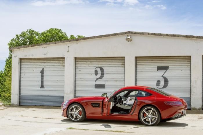 Mercedes AMG GT 25 700x466 Επίσημο: Mercedes AMG GT [w/video]
