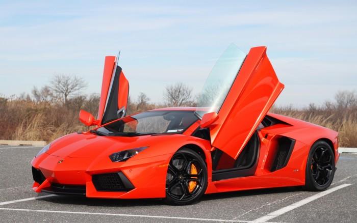 Εβγαλε,Αγορασε,Lamborghini,Aventador,Εγκατελειψε,Σχολειο
