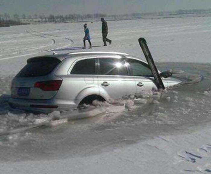 Audi Q7 on ice (3)
