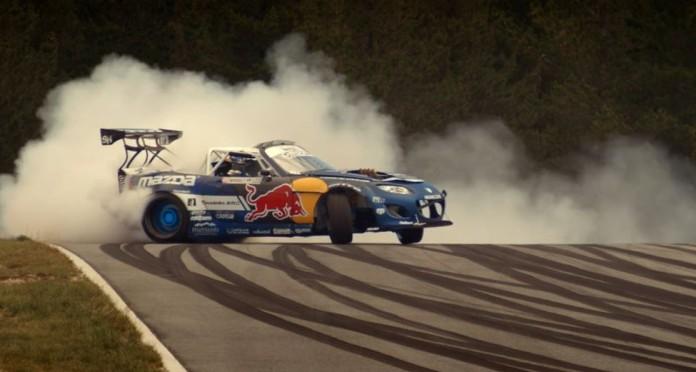Αχαλίνωτο drifting με το MX-5 του Mad Mike των 1.200+ ίππων