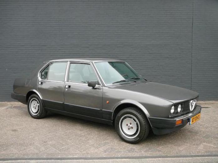 Κανείς δε μπορεί να αντισταθεί σε αυτή τη θωρακισμένη Alfa Romeo Alfetta