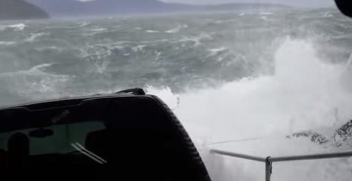 Δεν θα ήθελες το αυτοκίνητο σου πάνω σε αυτό το πλοίο