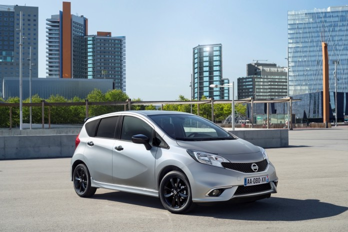 Nissan_Note_Black_Edition_09