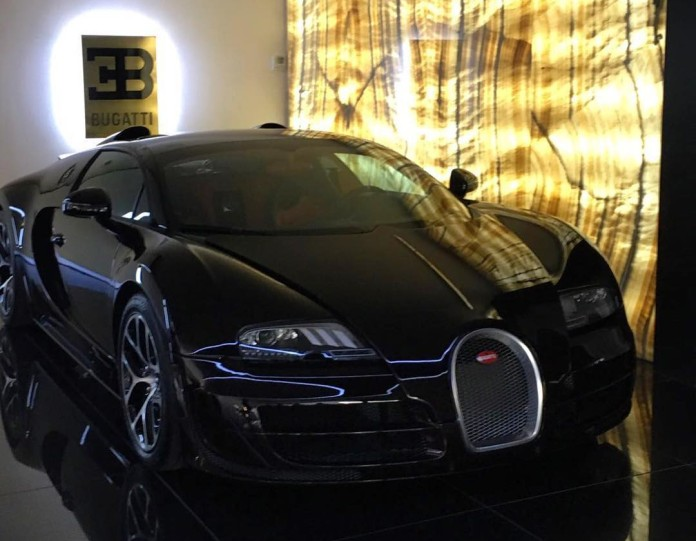 christiano ronaldo bugatti veyron. Black Bedroom Furniture Sets. Home Design Ideas