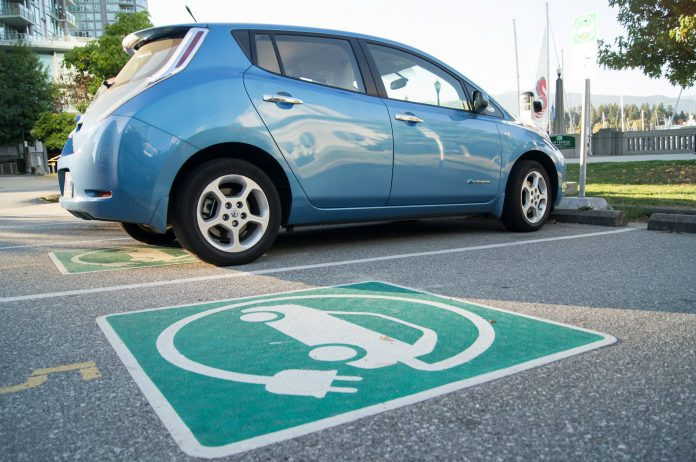 electric-car_20120917_andrew-hood